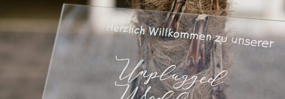 Hochzeitsschild Unplugged Wedding Strandhaus Mörbisch
