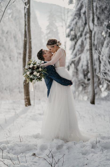 Brautpaar Winterhochzeit
